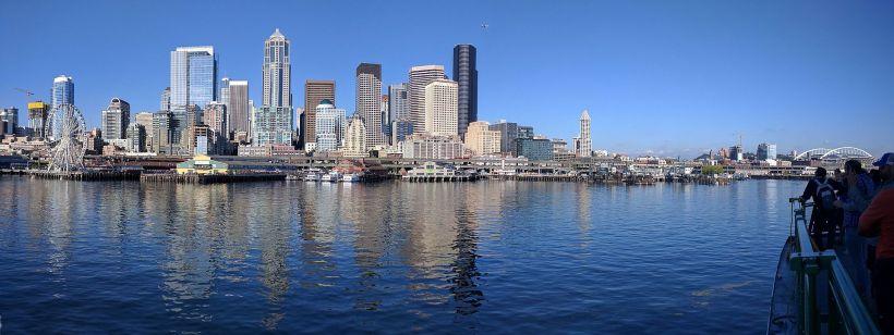 Seattle_waterfront_pano.jpg